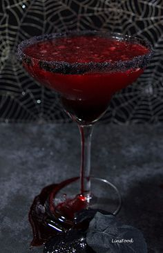 Bloody Margarita is the perfect Halloween cocktail, it's dark red & is drunk with black lava salt, giving your margarita an earthy, salty and tangy flavour. Cocktails Bloody Margarita with Black Lava Salt Rim Easy Halloween Cocktails, Bloody Halloween, Halloween Food For Party, Halloween Treats, Halloween 2019, Halloween Alcoholic Drinks, Frozen Halloween, Halloween Punch, Classy Halloween