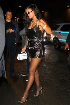 Rihanna came out from hiding yesterday, and is already making international news. First Rihanna held her NY Fashion Week show for her new Savage Fenty lingerie Moda Rihanna, Rihanna Riri, Rihanna Style, Rihanna Fashion, Rihanna Outfits, Fashion Outfits, Rihanna Looks, Leather Mini Dress, Ny Fashion Week
