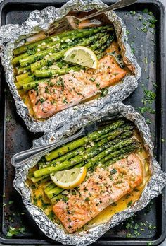 Salmon and Asparagus Foil Packs with Garlic Lemon Butter Sau.Salmon and Asparagus Foil Packs with Garlic Lemon Butter Sau.Salmon and Asparagus Foil Packs with. Baked Salmon And Asparagus, Lemon Asparagus, Salmon And Rice, Butter Salmon, Salmon Sauce, Garlic Salmon, Salmon Foil, Lemon Salmon, Asparagus Skillet