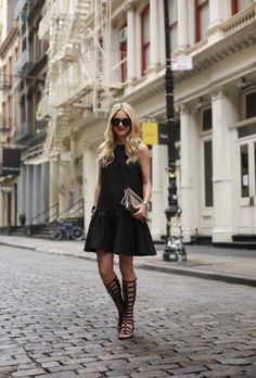 BLACK Stuart Weitzman Gladiator sandals. Shop now! https://shopaccents.ca/products/stuart-weitzman-gladiator-black/