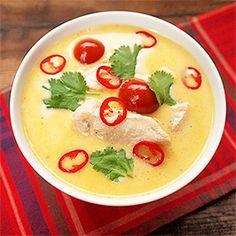 Thajská polévka s kuřetem.
