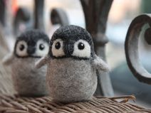 Kleiner Pinguin, handgefilzt