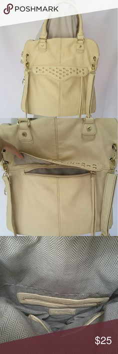 "Steve Madden shoulder bag/ crossbody Steve Madden medium crossbody purse with handles to use it as handbag, side to side zipper on bottom to make purse wider.   Features include front zipper pockets in wall zipper pocket and two multifunction slip pockets, top zipper closure.   Length 15"" Height 15"" Height 5"" Strap drop 7"" 21""  The outer is in great condition with just some pen marks, one of the ring holder is loose shows on the pics, lining is in great condition just slightly dirty.   Pets…"