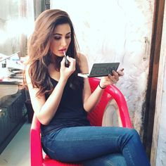 Nargis Fakhri touching up while doing her #makeup. #Bollywood #Fashion #Style #Beauty #Hot #Instagram