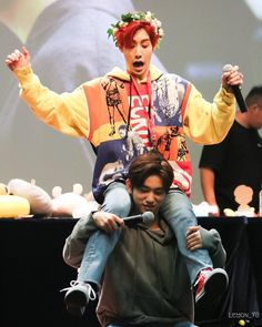 eu não sei se queria tá em cima do Jinyoung ou embaixo do Mark