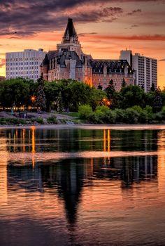 Historical landmark, Delta Bessborough Hotel in Saskatoon, Saskatchewan, Canada