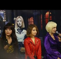 T-ara talk about their popularity in Japan during the live stream event for 'What Should I Do' MV | http://www.allkpop.com/article/2013/12/t-ara-talk-about-their-popularity-in-japan-during-the-live-stream-for-what-should-i-do-mv
