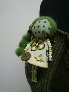 maramanufaktura / brošňa mini MARA /zeleno-hnedá/