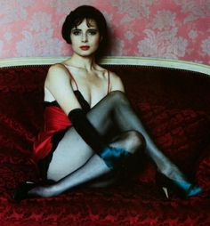 Isabella Rossellini by Helmut Newton. Heavy on the femme. Isabella Rossellini, Ode An Die Freude, Foto Glamour, Tv Movie, Wow Photo, Swedish Actresses, Hot Actresses, Ziegfeld Girls, Isabelle Huppert