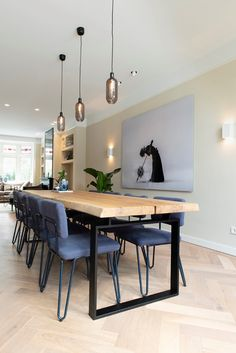 Discover recipes, home ideas, style inspiration and other ideas to try. Dining Table Chairs, Table Legs, Oak Table, Office Furniture Design, Home Decor Kitchen, Home Living Room, Kitchen Remodel, Sweet Home, Decoration