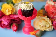 The House That Lars Built.: Single cupcake stand