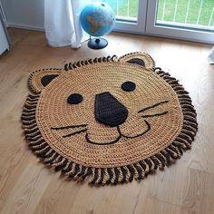 Crochet Mat, Crochet Lion, Crochet Rug Patterns, Crochet Carpet, Crochet Home, Nursery Rugs, Lion Nursery, Rugs On Carpet, Baby Knitting
