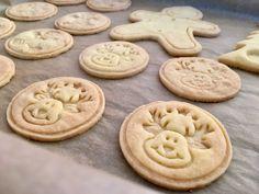 Citromos linzer keksz Mester süteménylisztből - Sütemények - Gluténmentesen Cookie Jars, Winter Food, Xmas, Christmas, Fudge, Sweet Recipes, Recipies, Food And Drink, Gluten Free