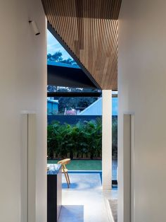 Reinterpreting the traditional and the familiar, Balmain House replaces an existing lean-to extension through a contemporary lens. Nick Bell Architects opens up and unites the inner workings of a timber weatherboard cottage through expansion and realignment, creating unique moments for connection. #architecture #design #dreamhouse #housegoals