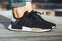 Adidas NMD_R1 WMNS (Core Black) – Sneaker Freaker
