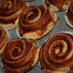 Vain yksi nopea kohotus, eikä pitkiä odotteluita. Ei tarvitse miettiä hiivan toimitaan tarvittavia nesteiden lämmittelyjä. Tällä onnistut varmasti. Kasvisruoka. Reseptiä katsottu 7390 kertaa. Reseptin tekijä: jejami. Baking Recipes, Cake Recipes, Something Sweet, Pancakes, Muffins, Cheesecake, Sweets, Cookies, Breakfast