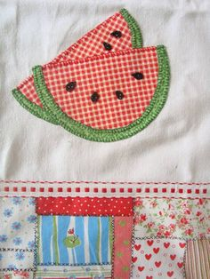pano de sacaria e aplicação com tecidos de algodão Diy And Crafts, Arts And Crafts, Bargello, Projects To Try, Patches, Embroidery, Sewing, Knitting, Dish Towels