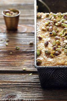 Middle Eastern Tahini, Date, and Cardamom Bulgur Wheat Breakfast Bake Recipe #sweet #breakfast