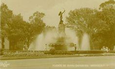 La Diana Cazadora cuando estaba en la entrada del Bosque de Chapultepec, hoy en dia se ubica en la glorieta de Sevilla y Reforma frente el Cinepolis Diana.