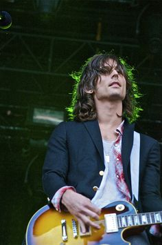 Nick Valensi of the Strokes will be there www.vinuesavallasycercados.com