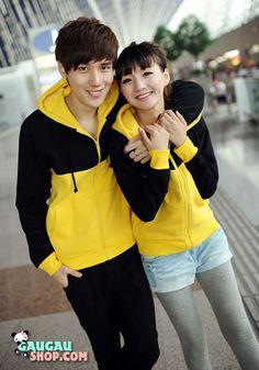 Áo khoác nỉ nam nữ màu vàng đen - Thời trang đồ đôi tại Gâu Gâu Shop