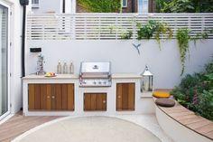 barbecue fixe et cuisine extérieure moderne