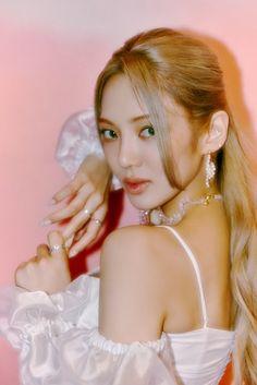 Hyoyeon dazzles in latest set of 'Second' teaser images | allkpop Kim Hyoyeon, Sooyoung, Jay Park, Got7, Girls Generation Hyoyeon, Stan Love, Korean Entertainment, 1 Girl, Snsd