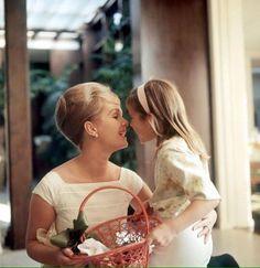 Debbie Reynolds e a pequena Carrie Fisher, nossa eterna Princesa Leia! ❤️