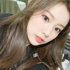 Kpop Girl Groups, Korean Girl Groups, Kpop Girls, My Girl, Cool Girl, Eyes On Me, Sakura Miyawaki, Ulzzang Korean Girl, Japanese Girl Group
