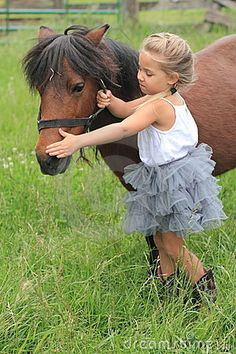 future child? PLEASE LIKE HORSES PLEASE! Just need to have dark hair and be tan lol