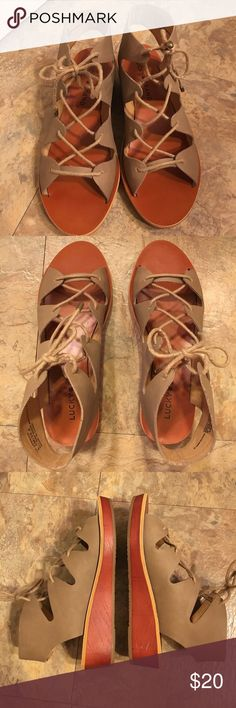 """Lucky Brand Hessina Lace Sandal •Worn only twice •It's in good condition (minor, unnoticeable scuff mark as seen in the photo) •Easily pair-able with any outfit •3/4"""" platform, 1.5"""" wedge heel Lucky Brand Shoes Sandals"""