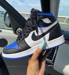 Dr Shoes, All Nike Shoes, Nike Shoes Air Force, Hype Shoes, Black Nike Shoes, Black Nikes, Shoes Heels, Jordan Shoes Girls, Girls Shoes