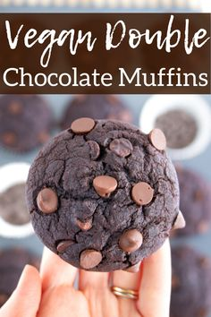 These vegan double chocolate muffins are so soft moist and packed with chocolate flavor! Dark cocoa and chocolate chip dairy free muffins recipe! Healthy Vegan Desserts, Vegan Dessert Recipes, Vegan Sweets, Vegan Meals, Vegan Food, Dairy Free Chocolate, Vegan Chocolate, Chocolate Recipes, Dairy Free Muffins