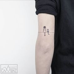 Ahmet Cambaz had a late start in the tattooing game, but has already proved himself as a formidable ink artist. After 7 years of doing cartoon work for an tattoo ideas Minimalist-simple-tattoos-ahmet-cambaz Mini Tattoos, Dog Tattoos, Trendy Tattoos, Black Tattoos, Body Art Tattoos, Small Tattoos, Tattoos For Women, Sexy Tattoos, Tattos