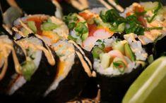Ricardo > Qu'est-ce qu'un maki californien? Sushi Burger, My Sushi, Dessert Ricardo, Sushi Dessert, Sushi Pictures, Sushi Donuts, Scallion Pancakes, Asian Recipes, Ethnic Recipes