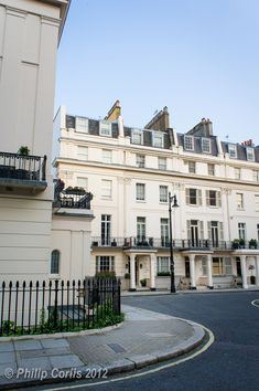 Eaton Square, London, England - it used to be the set for a great British TV series London Townhouse, London House, London Life, England Uk, London England, London Places, London Pubs, Eaton Square, Beautiful London
