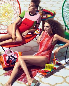 Fashion photographer Andrew Yee captured Glamorous New Poolside Fashion story for the latest edition of The Financial Times - How To Spend It Magazine. Financial Times, Fashion Project, Fashion Story, Facon, Spring Collection, Mannequins, Bikini Girls, Warm Weather, Editorial Fashion