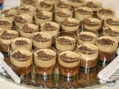 Mousse de chocolate y turrón navideño - Quickest Tutorial and Ideas Amazing Food Art, Flan, Sweet Recipes, Tapas, Food And Drink, Cooking Recipes, Sweets, Snacks, Ethnic Recipes
