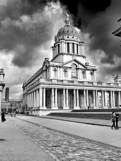 Old Royal Naval College, Greenwich (University of Greenwich) Going To University, Best University, University Of Greenwich, Interesting Buildings, Place Of Worship, Flourish, Cornwall, Statues, Places To Visit
