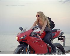 Girls on bikes...rock !!