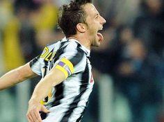 Immenso Capitano :Q___   #Juve vs #Lazio 2-1