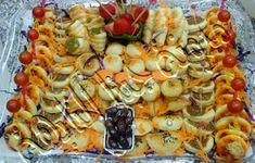طريقة عمل فطائر متنوعة وبيتزا عمل عجينة العشر دقائق على قد الإيد Best Cooker, Utensils, Pasta Salad, Shrimp, Cooking, Ethnic Recipes, Easy, Food, Crab Pasta Salad