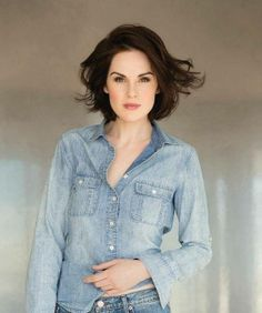Michelle Dockery and her cute outfit