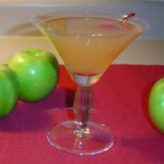 Fall Festive-tini That's sounding pretty good! 1 serving: 4 ice (cubes) 1 1/2 ozs vodka (pear) 1 1/2 ozs peach schnapps 1 3/4 ozs apple cider 1 1/2 ozs ginger ale 1 apple (slice for garnish)