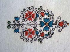 Jegykendő minta - sárközi színes hímzés