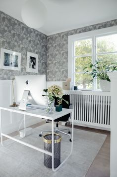 Workspace in hallway | House of Philia