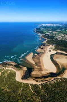 France, Vendee, Talmont Saint Hilaire, Veillon beach and Pointe du Payre (aerial view)