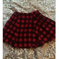 Retro plaid skirt Love this retro picnic skirt, looks super cute with band tshirts or a basic tank, its a bit long on me so i dont wear as much as i should but its so cute, i do not trade✨ UNIF for exposure UNIF Skirts