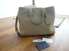 original Prada Tasche. 3.622.075 Angebote. Günstig kaufen und gratis inserieren auf willhaben.at - der größte Marktplatz Österreichs.