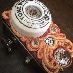 Hand Painted Fuzz Probe Guitar Effects – Learning Guitar Guitar Pedal Power Supply, Diy Guitar Pedal, Guitar Rig, Easy Guitar, Guitar Shop, Bass Pedals, Guitar Pedals, Unique Guitars, Vintage Guitars